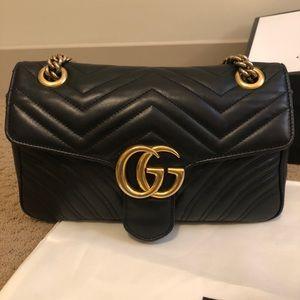 AUTH Gucci GG Marmont small matelassé purse